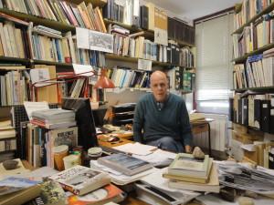 פרופ' גדעון ארן במשרד